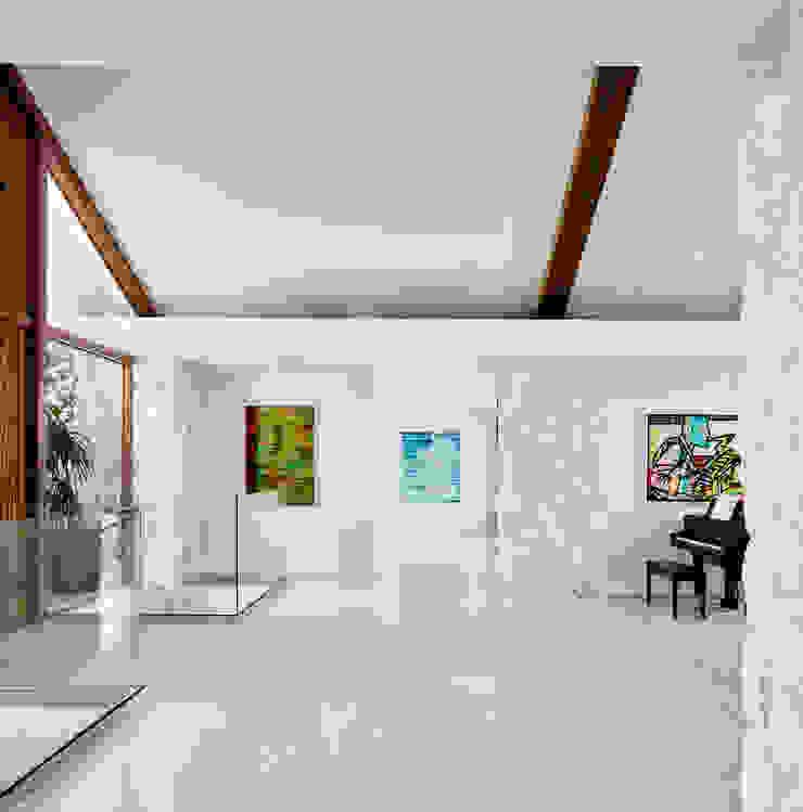 Maywood Residence Hugh Jefferson Randolph Architects Modern corridor, hallway & stairs
