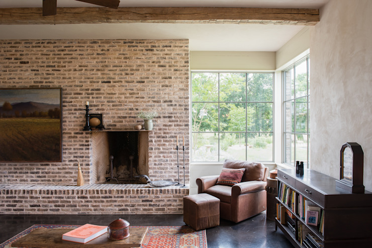 Living room by Hugh Jefferson Randolph Architects, Country