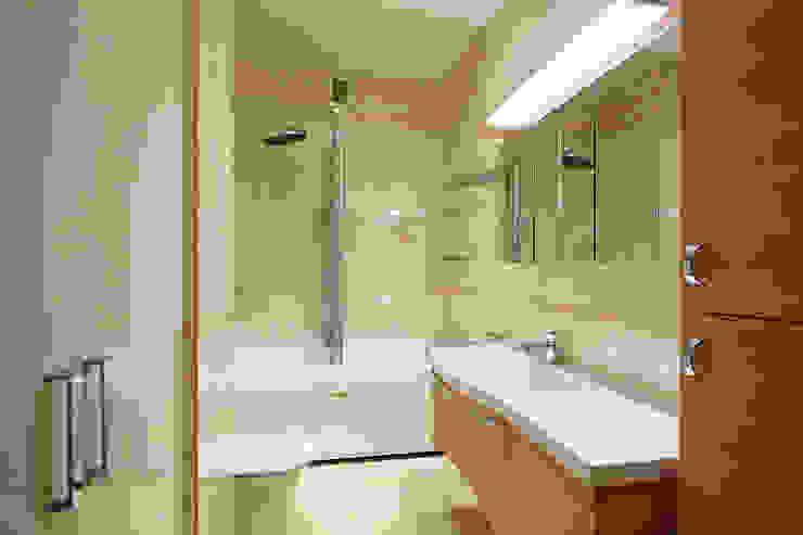 Квартира, Санкт-Петербург, ул.Нахимова Ванная комната в стиле минимализм от студия дизайна интерьера 'Sreda Studio' Минимализм