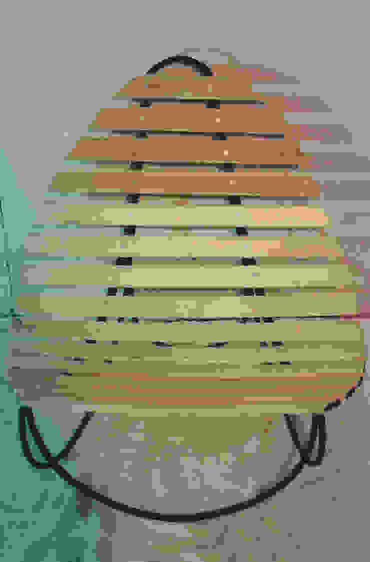 Sillas, 2008. de FranciscoMG Moderno