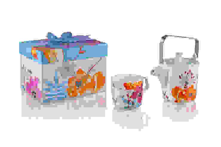 Dzbanek z kubkiem Tea for One Białe Kwiaty od Silly Design - prezentowa porcelana Klasyczny