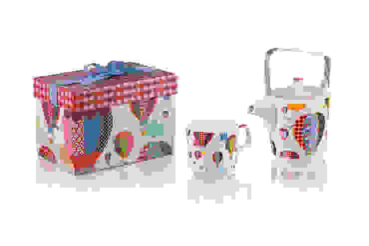 Dzbanek z kubkiem Tea for One Balony od Silly Design - prezentowa porcelana Skandynawski
