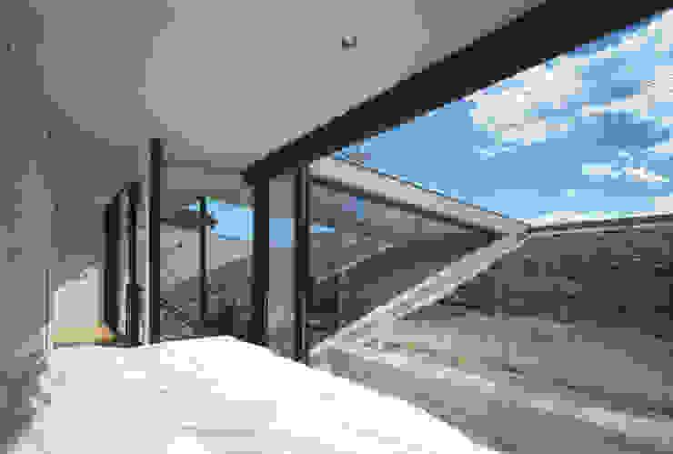 2階 モダンスタイルの寝室 の プライム建築都市研究所 モダン