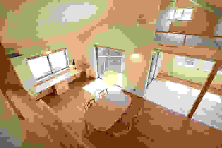 久が原の家: 光風舎1級建築士事務所が手掛けたリビングです。,北欧
