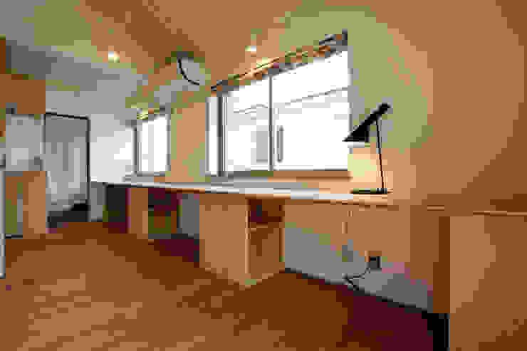 久が原の家: 光風舎1級建築士事務所が手掛けた書斎です。,北欧