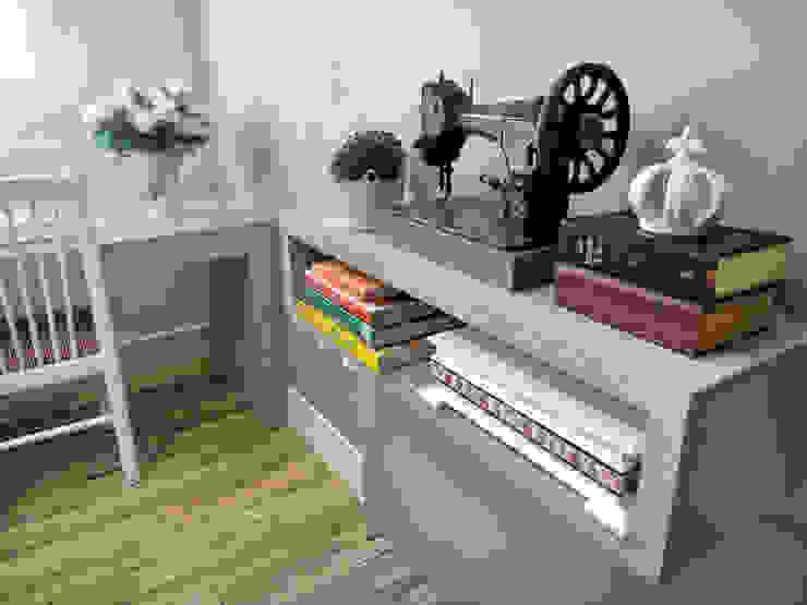 Atelier Escritórios clássicos por Gabriela Herde Arquitetura & Design Clássico