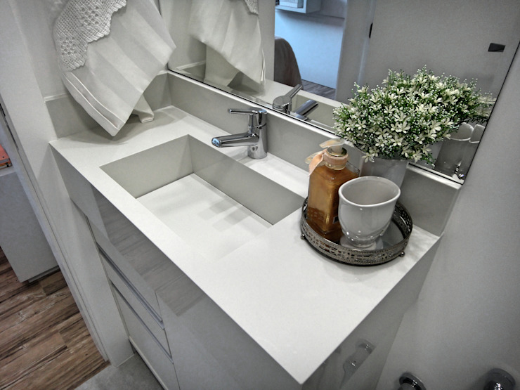 Eclectic style bathroom by Gabriela Herde Arquitetura & Design Eclectic