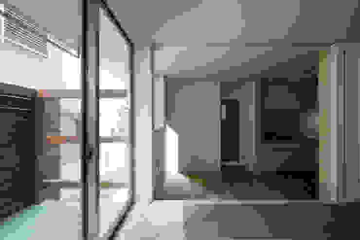 ENCLOSE モダンデザインの リビング の 充総合計画 一級建築士事務所 モダン