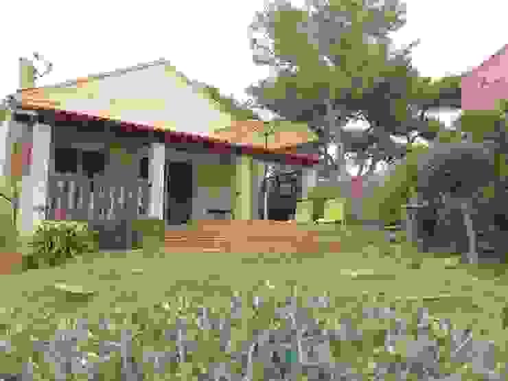 Extension de terrasse Jardin méditerranéen par In&Out Garden Méditerranéen