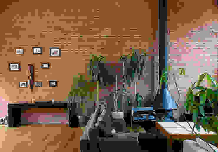 Гостиная в . Автор – Beriot, Bernardini arquitectos, Лофт