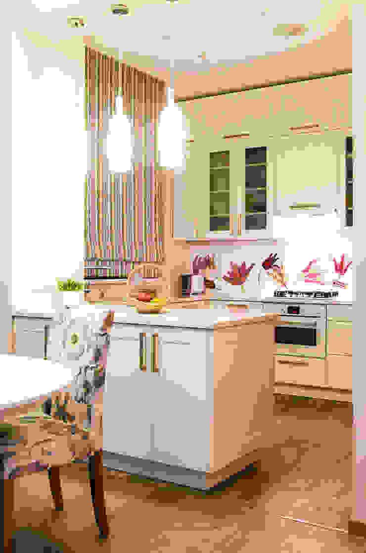 Дом в КП Онегин Парк Кухня в скандинавском стиле от projectorstudio Скандинавский