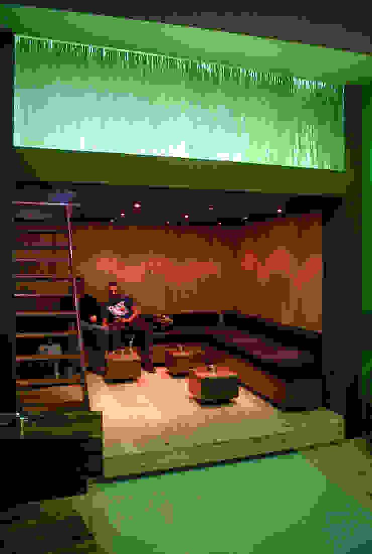 Diego Alonso designs Bar & Club moderni