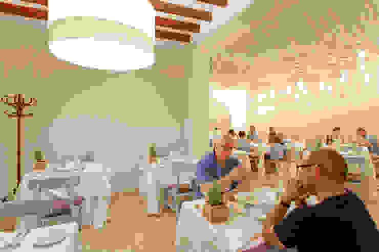 RESTAURANTE CLIVIA MALLORCA – POLLENÇA Comedores de estilo mediterráneo de felip polar Mediterráneo