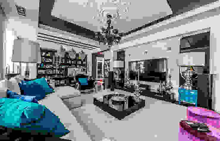 Интерьер квартиры в стиле Фьюжн Гостиная в классическом стиле от Belimov-Gushchin Andrey Классический
