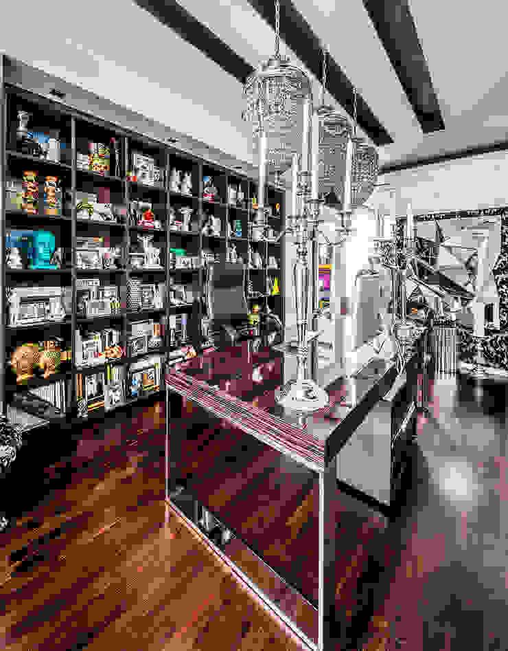 Интерьер квартиры в стиле Фьюжн Рабочий кабинет в классическом стиле от Belimov-Gushchin Andrey Классический