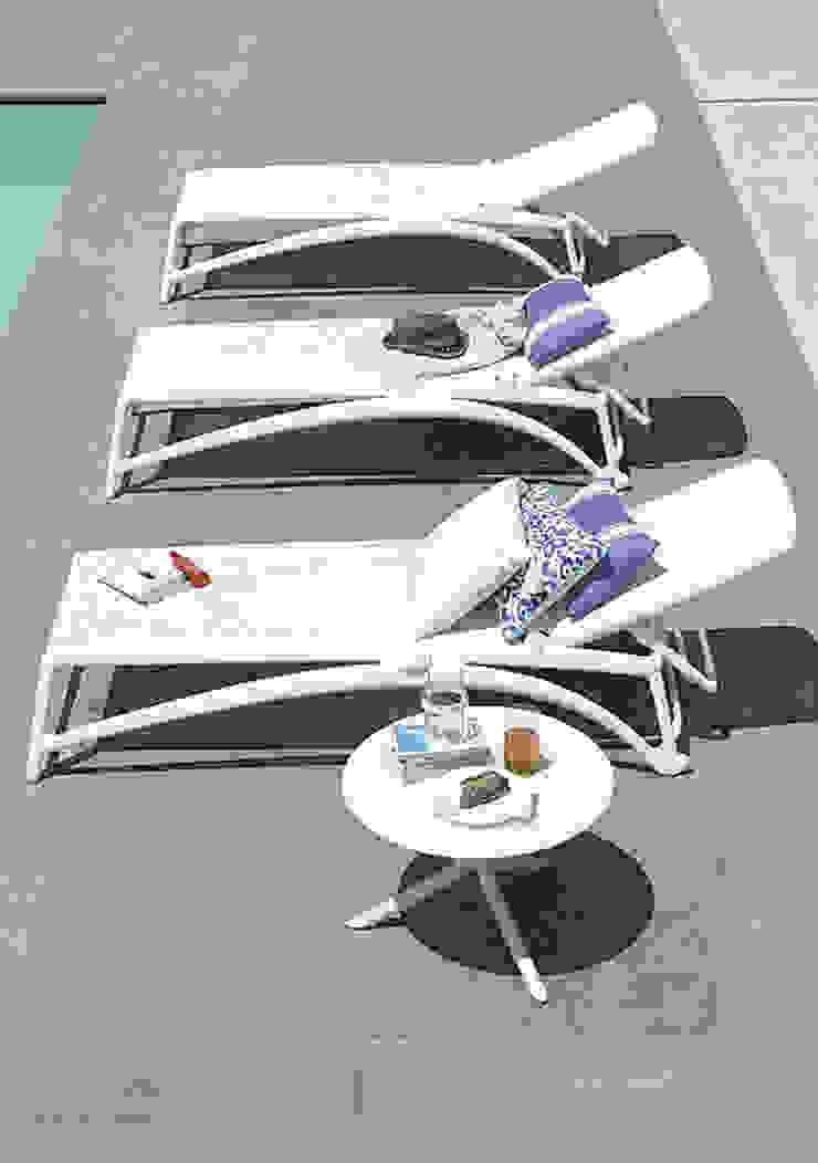 Mobiliario de jardines y exteriores Piscinas de estilo moderno de Muebles caparros Moderno