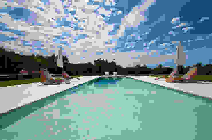 Moderne Pools von Ivan Torres Architects Modern
