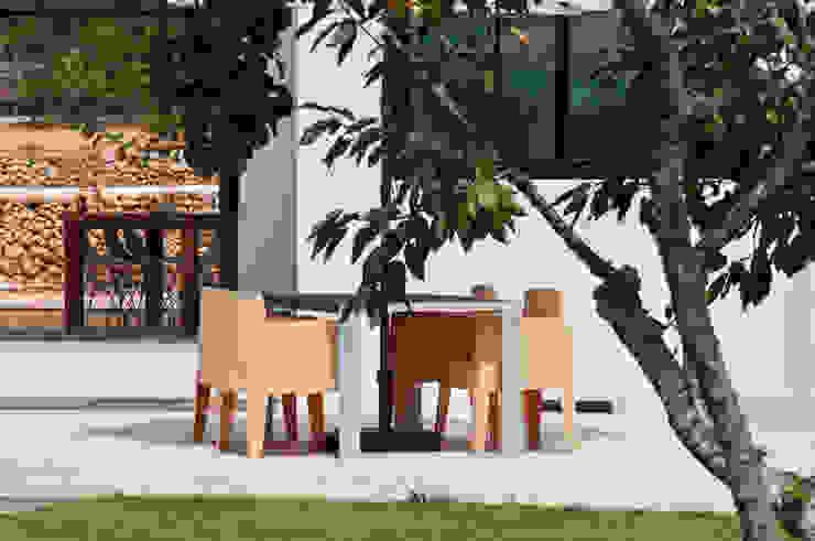 現代  by Ivan Torres Architects, 現代風
