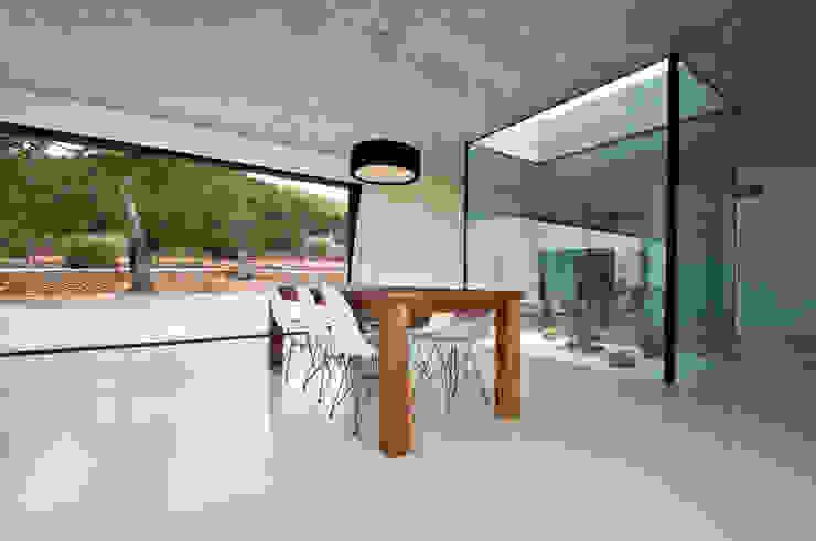 Can Pep de Sa Guaita Comedores de estilo moderno de Ivan Torres Architects Moderno