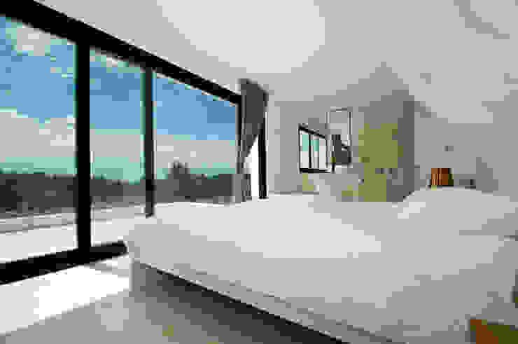Moderne Schlafzimmer von Ivan Torres Architects Modern