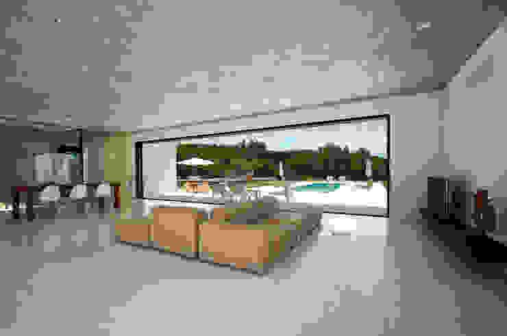 Can Pep de Sa Guaita Salones de estilo minimalista de Ivan Torres Architects Minimalista