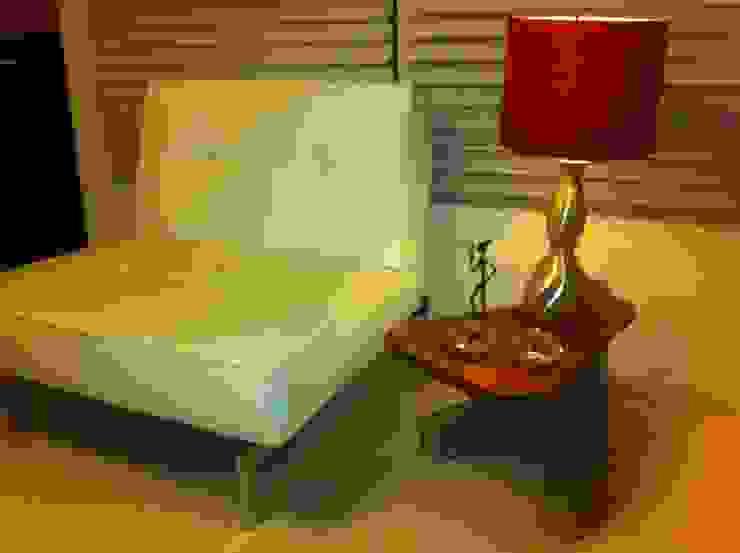mesa auxiliar :  de estilo industrial por Armatoste studio, Industrial