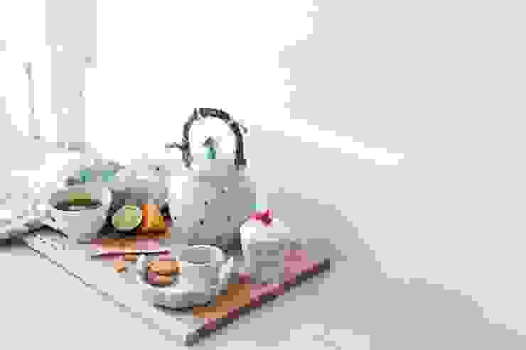 por anna westerlund handmade ceramics Escandinavo