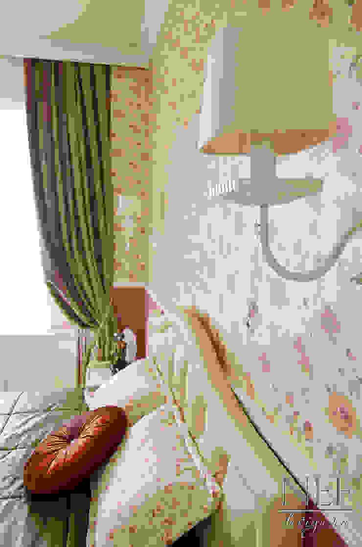 Квартира в классическом стиле с примесью кантри Спальня в классическом стиле от Юлия Паршихина Классический