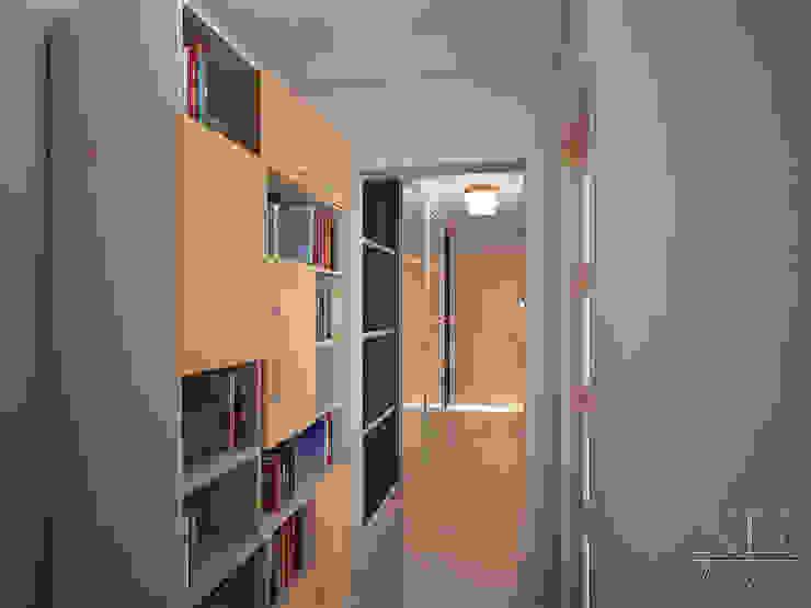 Квартира в современном стиле Коридор, прихожая и лестница в скандинавском стиле от Юлия Паршихина Скандинавский