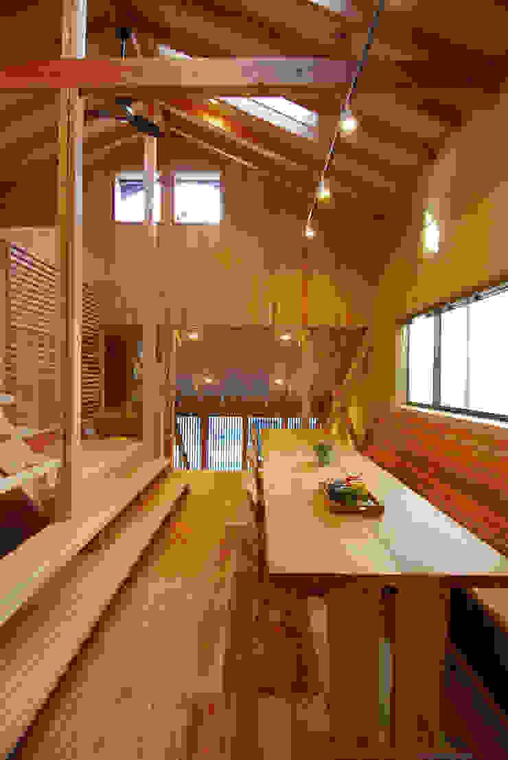 ダイニング・ベンチ見返し オリジナルデザインの ダイニング の 豊田空間デザイン室 一級建築士事務所 オリジナル