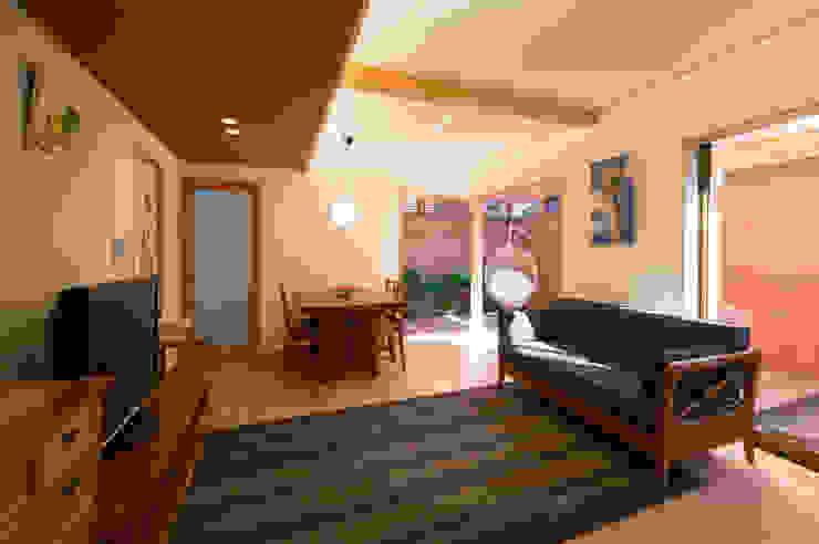 아시아스타일 거실 by アトリエ・ブリコラージュ一級建築士事務所 한옥
