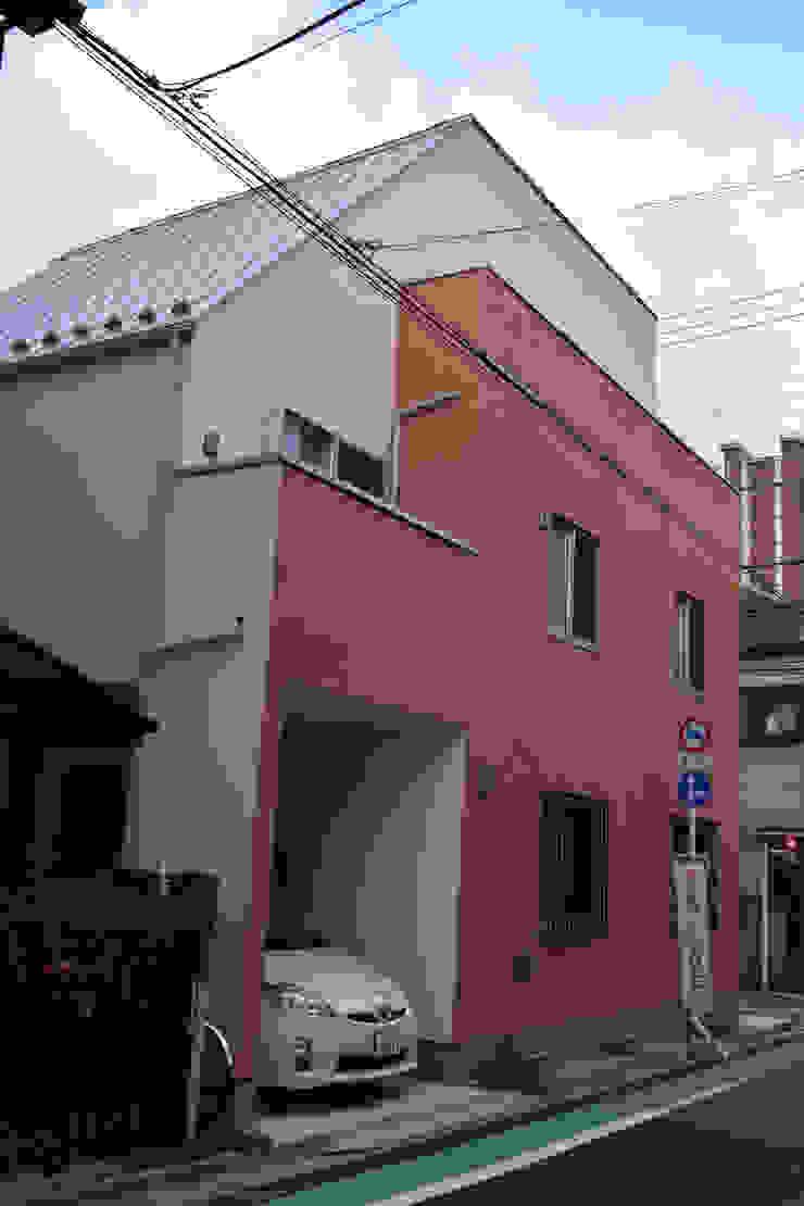 北西面 モダンな 家 の uedA一級建築士事務所 モダン