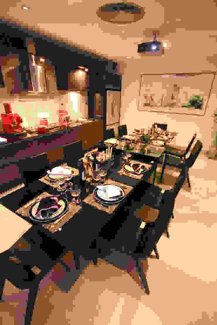 Mostra Artefacto Haddock Lobo - São Paulo Cozinhas modernas por FJ Novaes Light Projects Moderno