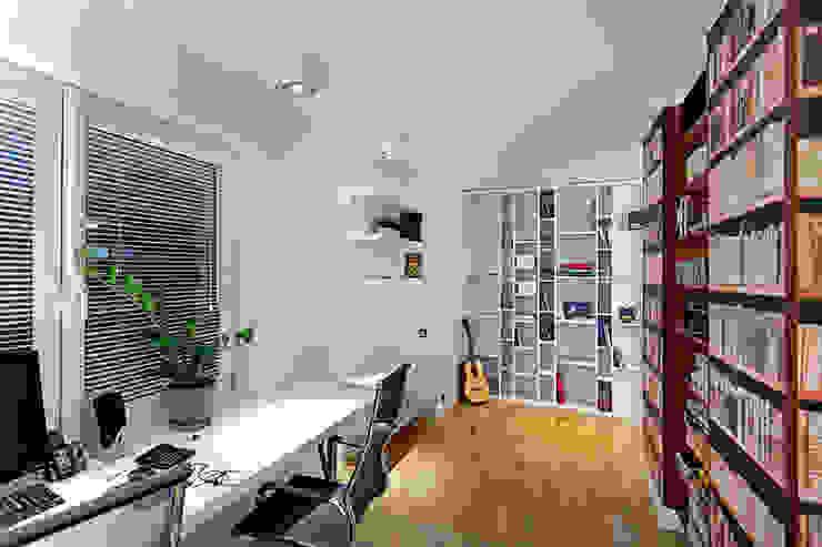 biuro Nowoczesne domowe biuro i gabinet od RED design Nowoczesny