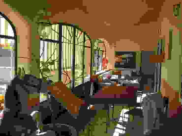 CHAMBRES D HOTES D EXCEPTION EN PAYS VAROIS Balcon, Veranda & Terrasse originaux par cecile Aubert architecte dplg Éclectique