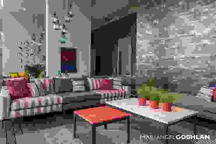 Salas de estilo moderno de MARIANGEL COGHLAN Moderno