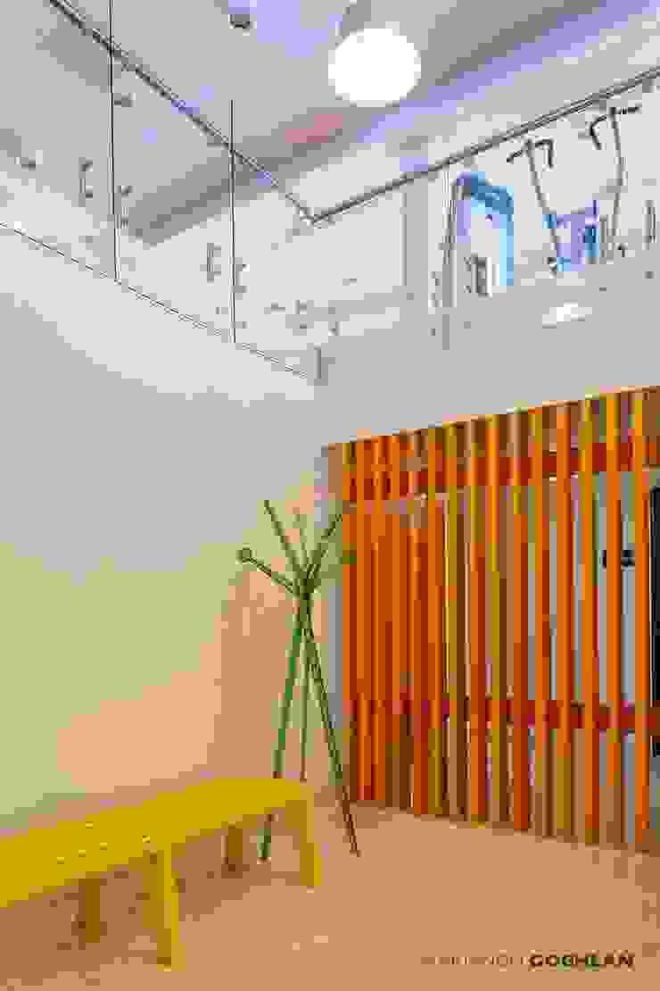 Modern Dressing Room by MARIANGEL COGHLAN Modern