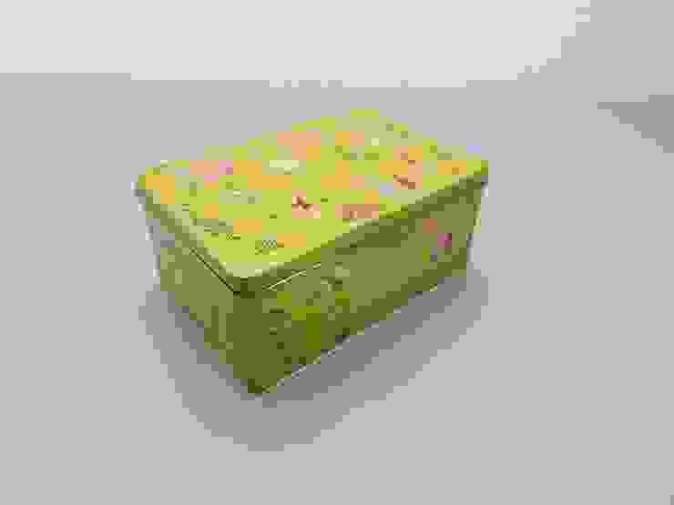 Lata Cola Cao modelo chinos amarrillo, pañuelos de homify Ecléctico