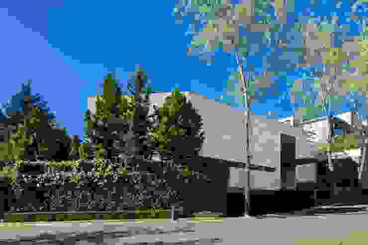 Casa Dalias grupoarquitectura Casas de estilo minimalista