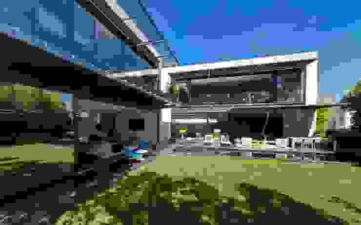 Casa Dalias Jardines de estilo minimalista de grupoarquitectura Minimalista
