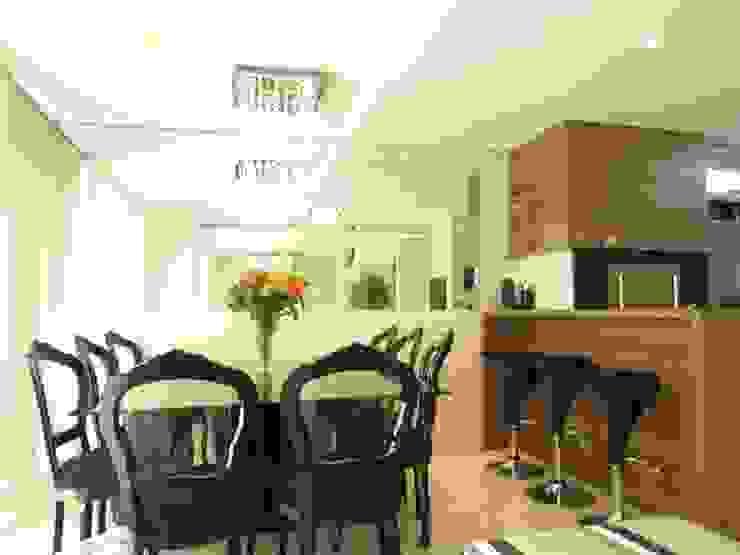 Modern dining room by Paula Szabo Arquitetura Modern