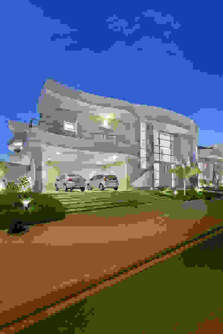من Arquiteto Aquiles Nícolas Kílaris حداثي