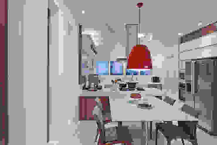 Casa Limeira Cozinhas modernas por Arquiteto Aquiles Nícolas Kílaris Moderno