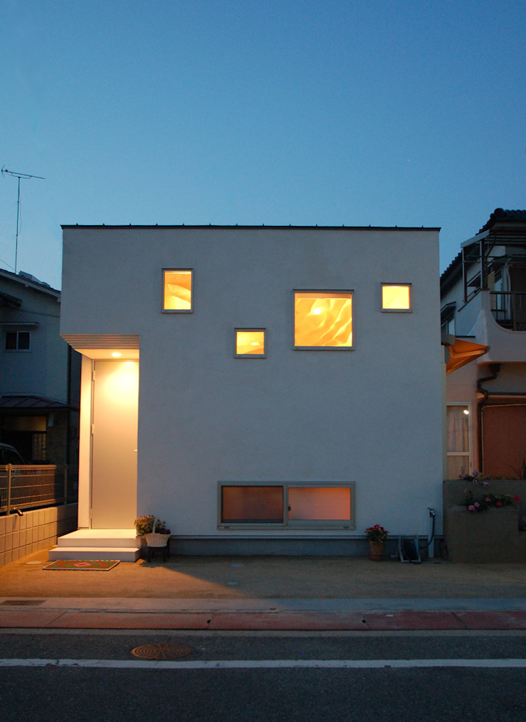 Eclectic style houses by 株式会社グランデザイン一級建築士事務所 Eclectic Solid Wood Multicolored