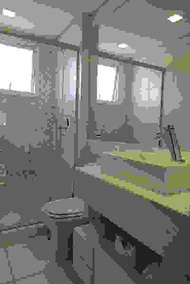 Banho social Banheiros modernos por Paula Szabo Arquitetura Moderno