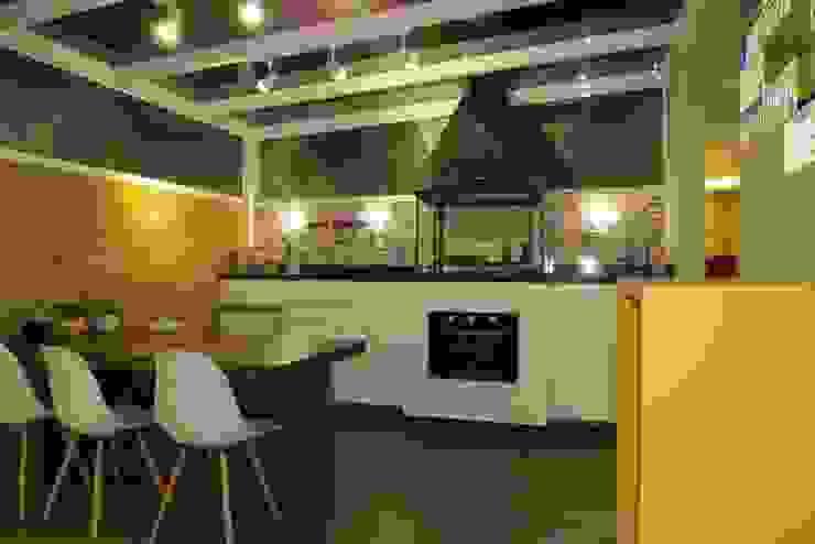Ruang Makan oleh Paula Szabo Arquitetura, Modern