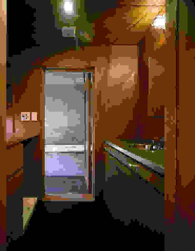 森吉直剛アトリエ/MORIYOSHI NAOTAKE ATELIER ARCHITECTS Modern bathroom