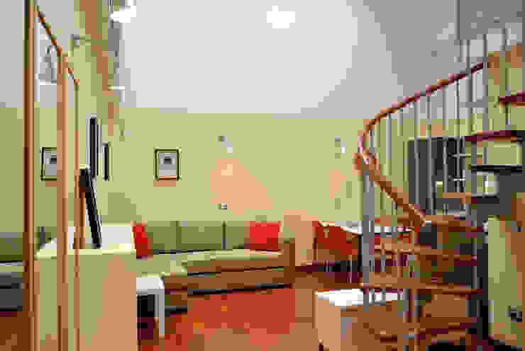 Salon moderne par Valtorta srl Moderne