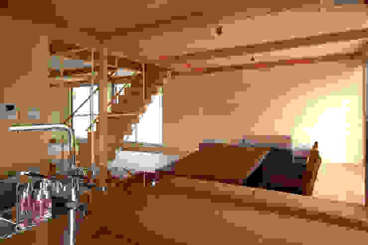 ウイングハウスのリビング モダンデザインの ダイニング の 土居建築工房 モダン