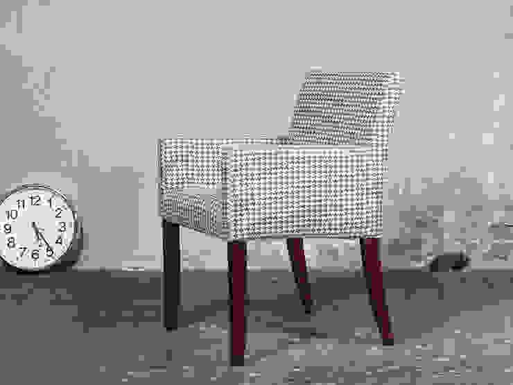 Blue Wall. Stuhl Mouzon-Style von Blue Wall Design GmbH Klassisch